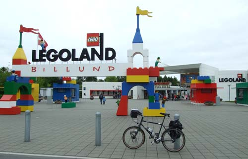 legoland-gate.jpg