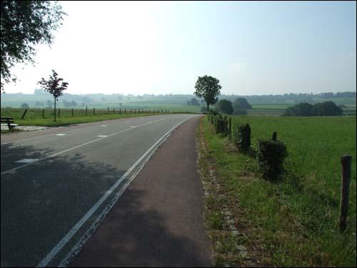 20070607maastricht_road.jpg